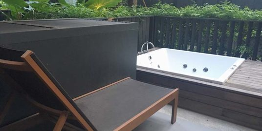 The Deck One Bedroom Condo with Jacuzzi – Patong